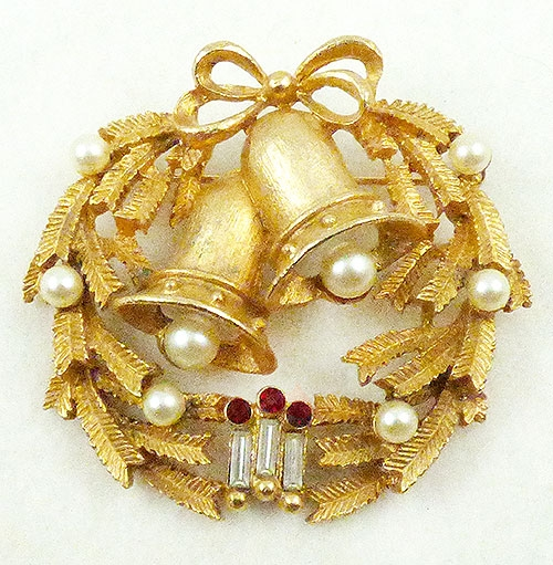 Cathé - Cathé Christmas Bells Wreath Brooch
