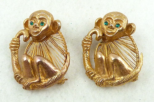 Figural Jewelry - Animals - Pair of Gold Wire Monkey Brooches