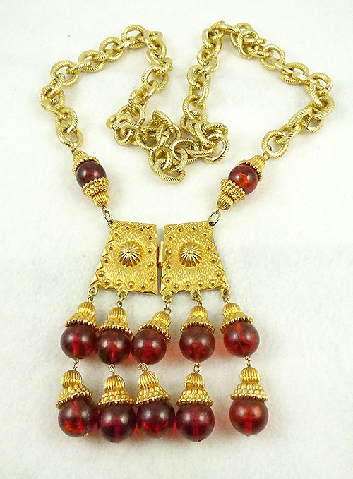 Trend: Sculptural Statement Necklaces - Middle Eastern Influence Amber Beads Necklace
