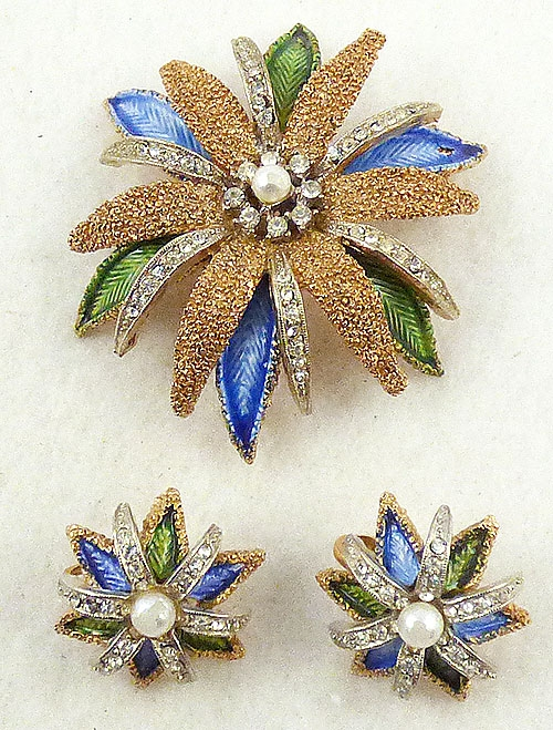 Art - Art Granulated Gold Enamel flower Brooch Set