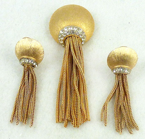 Newly Added Bergère Gold Tassel Brooch Set