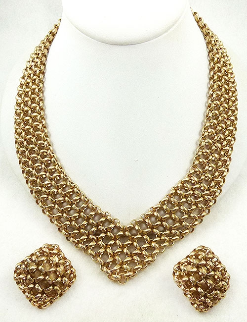 Newly Added Monet Wide Chain Vee Necklace Set