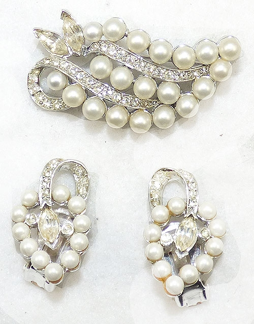 Pearl Jewelry - Marvella Pearl and Rhinestone Leaf Brooch Set
