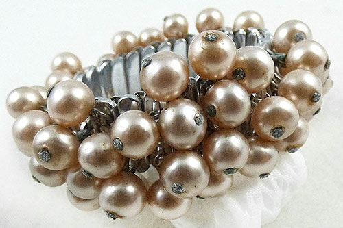 Newly Added Japan Pearl Cha-Cha Expansion Bracelet