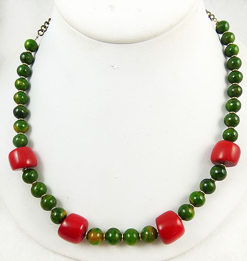 Necklaces - Green and Red Bakelite Beads Necklace