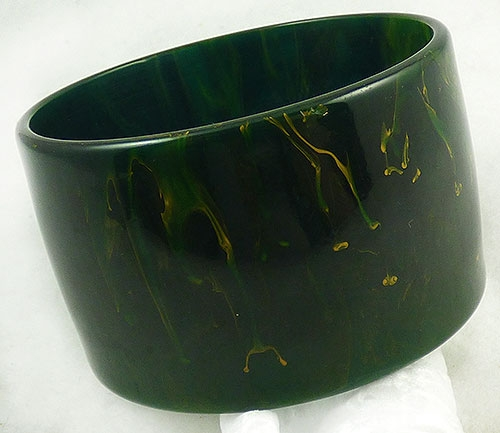 Trend: Spring Summer 2019 Bracelets - Forest Green Marbled  Bakelite Bangle