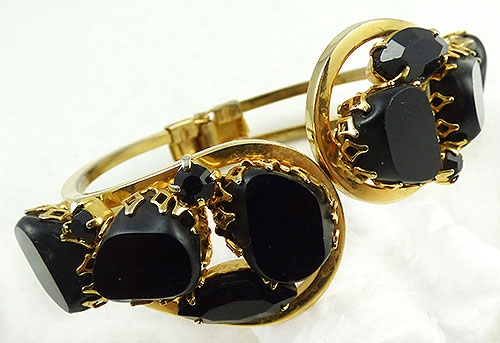 Newly Added Black Glass Stone Clamper Bracelet