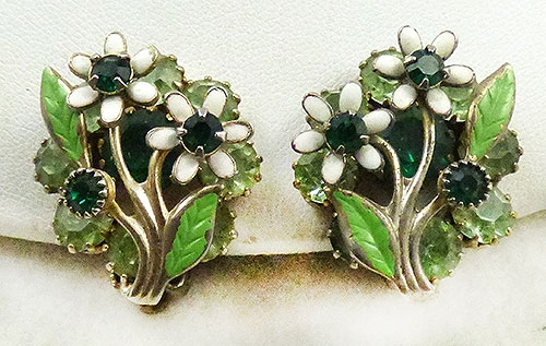 Florals - Weiss White Flowers Green Rhinestone Earrings