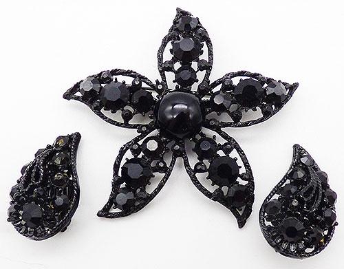 Newly Added Weiss Black Rhinestone Starfish Brooch Set