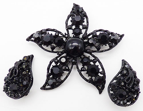 Figural Jewelry - Birds & Fish - Weiss Black Rhinestone Starfish Brooch Set