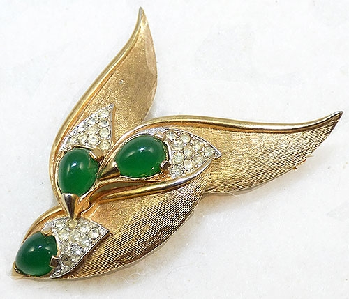 Brooches - Boucher Green Cabochon Triple Leaves Brooch