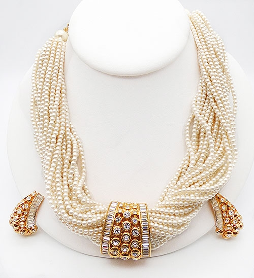 Trend 2020-2021: Pearls! - Elizabeth Taylor Evening Star Pearl Necklace Set
