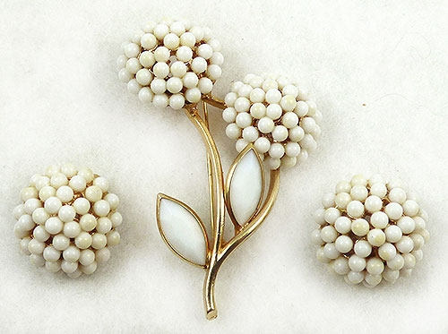 Florals - BSK White Flowers Brooch Set