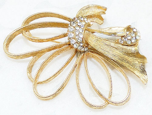 Bows & Ribbons - B.S.K Gold Bow Brooch