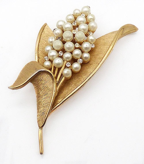 Trifari - Trifari Faux Pearls Flower Brooch