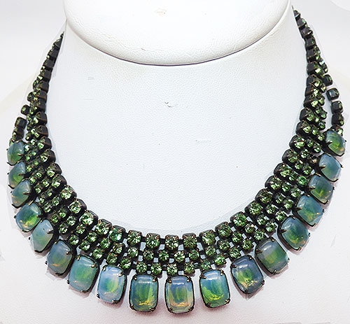 Newly Added Green Opalescent Glass Rhinestone Japanned Necklace