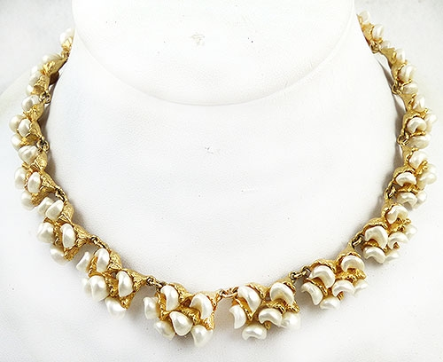 Necklaces - Faux Pearl Gold Tone Link Necklace