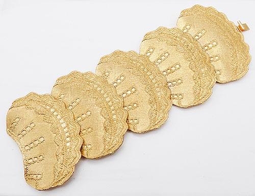 Newly Added Mosell Wide Gold Fan Link Bracelet