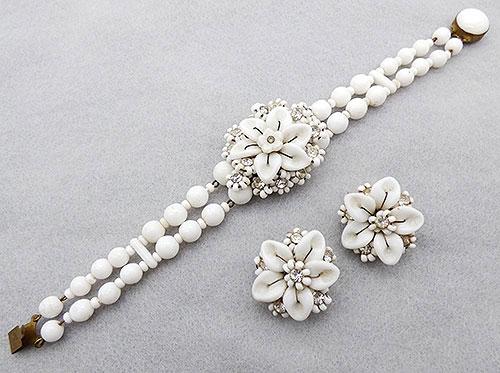 Sets & Parures - W. German Milk Glass Beads Flower Bracelet Set