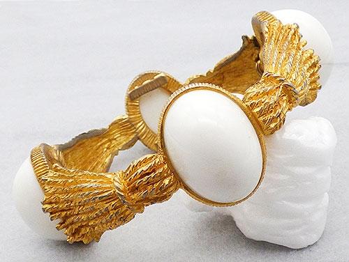 Bracelets - Castlecliff White Bullet Cabochon Bracelet