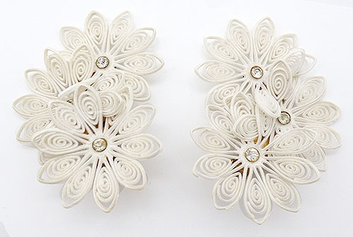 Newly Added White Lightweight Plastic Flowers Ear Climbers