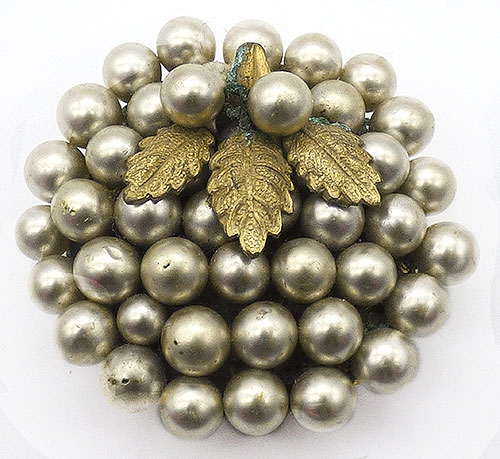 Pearl Jewelry - Simulated Pearls Dress Clip