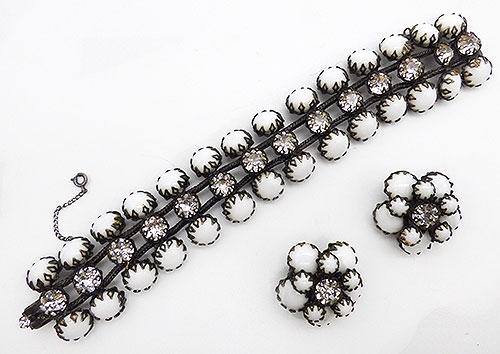 Sets & Parures - Schreiner Milk Glass Bracelet Earring set