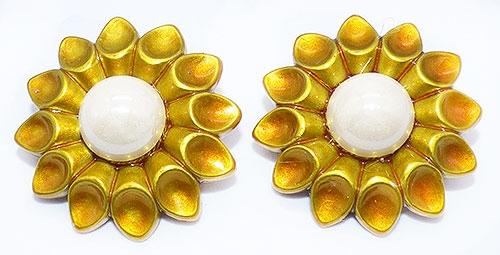 Earrings - Golden Resin Flower Earrings
