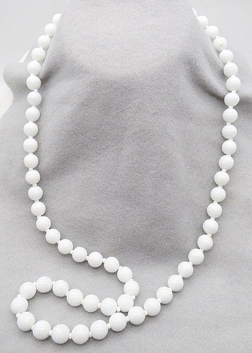 Haskell, Miriam - Miriam Haskell White Bead Necklace