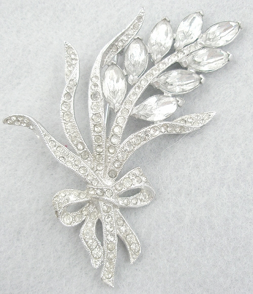 End of Year Sale! 30-50% OFF - Rhinestone Floral Brooch